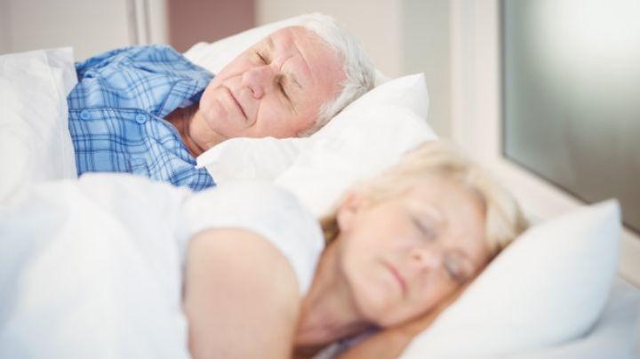 Mejora tu calidad de vida después de los 60 años con estos consejos para dormir mejor