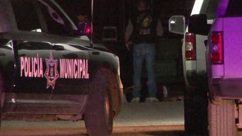 Violento domingo: Acribillan y matan a dos hombres; uno chocó mientras trataba de llegar a hospital
