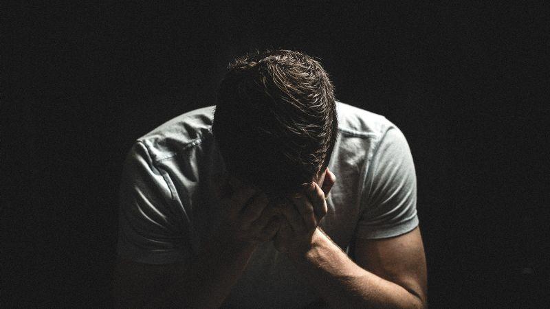 Sobrevivir al Covid-19 es traumático: Un porcentaje de pacientes tendría psicosis