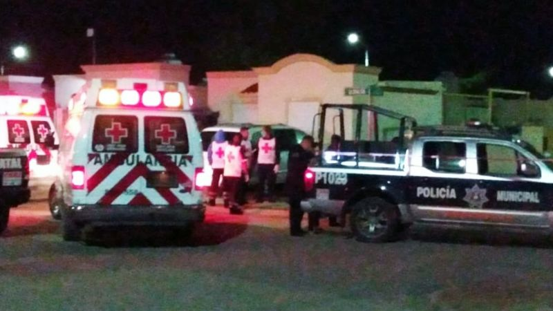 Apuñalan en la espalda a hombre en calles de Hermosillo; los responsables huyeron