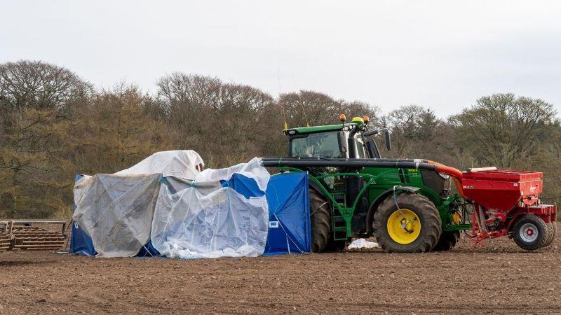 """Macabro hallazgo: Joven de 21 años muere en un """"trágico accidente"""" de granja"""