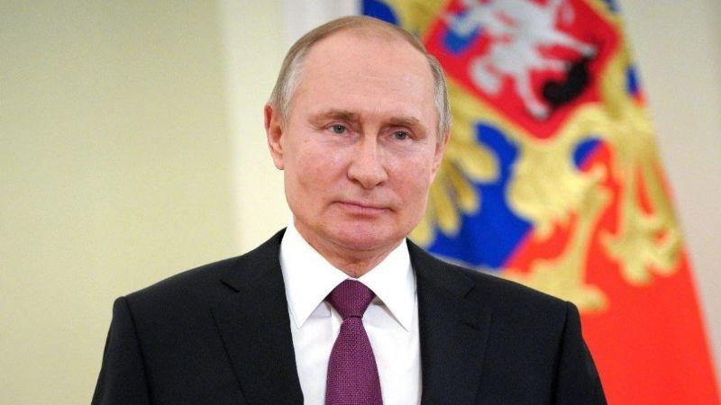¡En pleno 2021! Putin firma Ley que prohíbe el matrimonio gay y le permite reelegirse