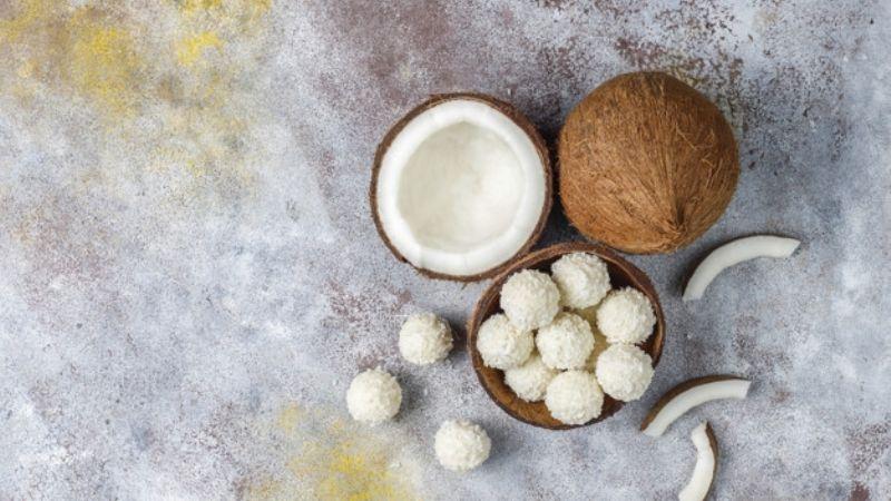 Endulza tus días con ayuda de unas deliciosas trufas de chocolate blanco y coco