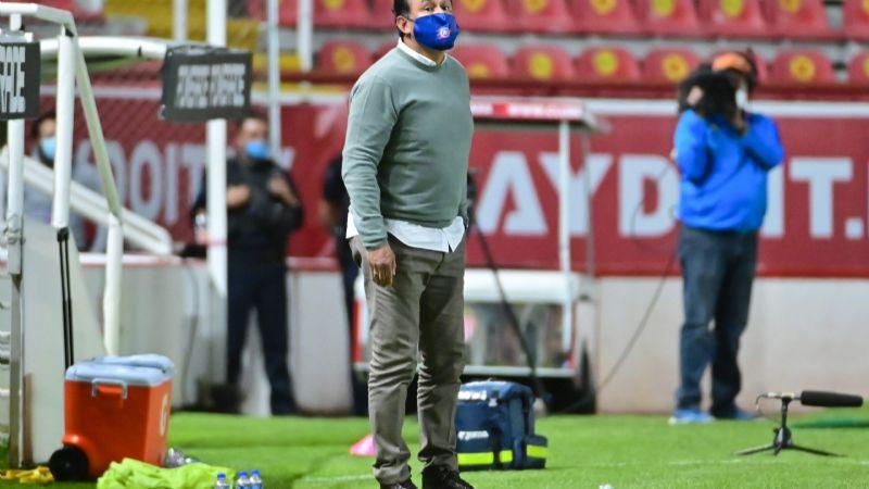 """Para Juan Reynoso """"lo ideal sería no jugar la Concachampions ahora"""""""