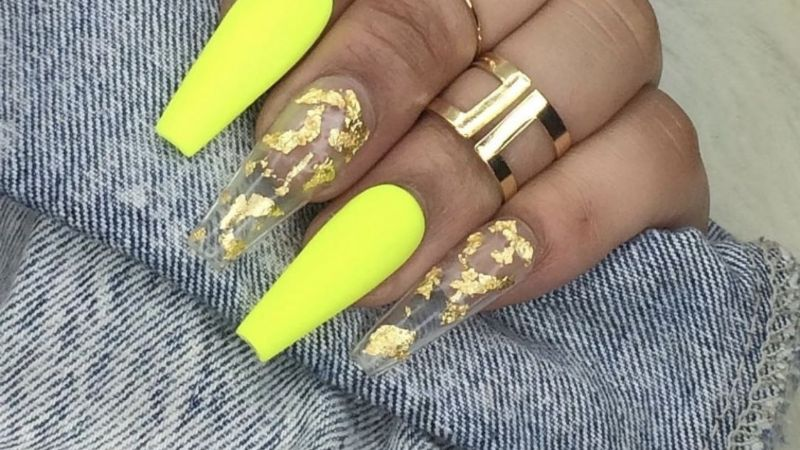 ¿Quieres usar uñas postizas? Primero averigua algunos peligros de llevarlas en tus dedos
