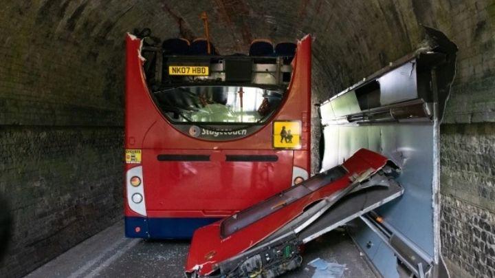 Fatal accidente: Chofer de autobús escolar pone en riesgo la vida de niños; 15 resultan heridos