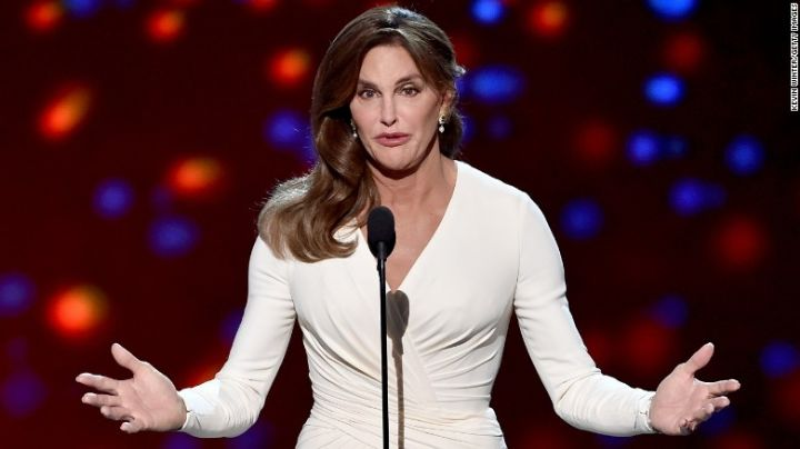 "Caitlyn Jenner está ""explorando activamente"" una candidatura como gobernadora de California"