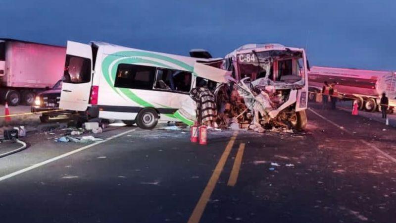 Estas son las 16 víctimas mortales y 14 heridos tras brutal choque en carretera Caborca-Sonoyta