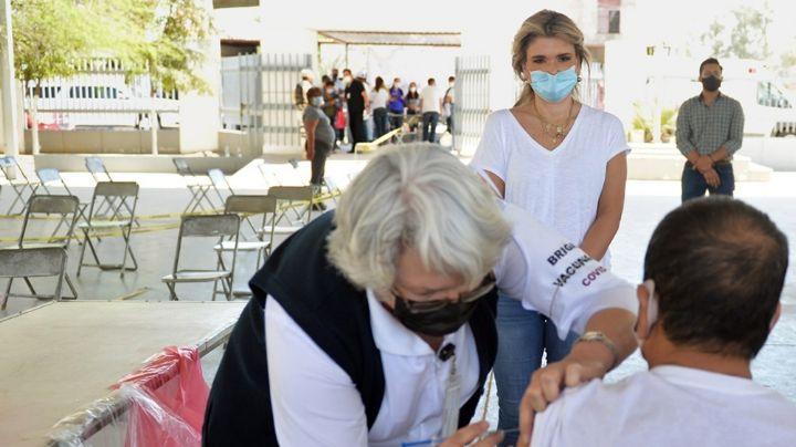 Claudia Pavlovich llama a adultos mayores a seguirse cuidando tras vacunarse contra Covid-19
