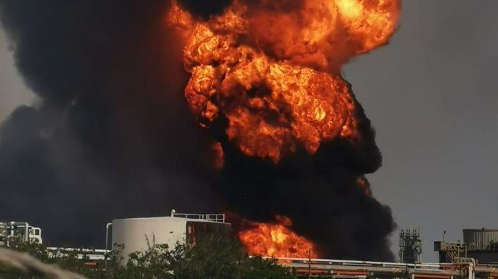 VIDEO: ¡Terrible accidente! Registran incendio en refinería de Pemex en Veracruz