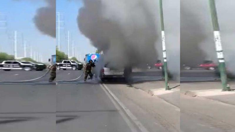 Arde vehículo sobre boulevar Colosio en Hermosillo; conductor salió antes de que explotara