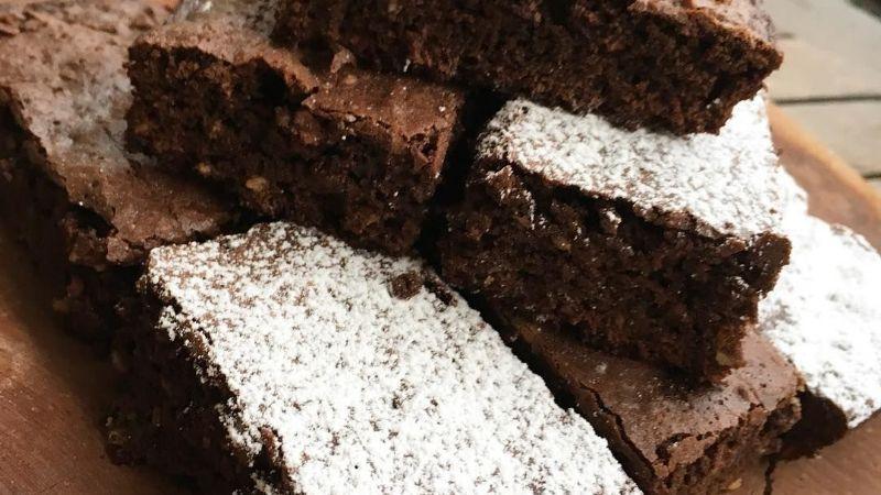 ¡Dulce y delicioso! Estos brownies de chocolate con ron alegrarán tu vida