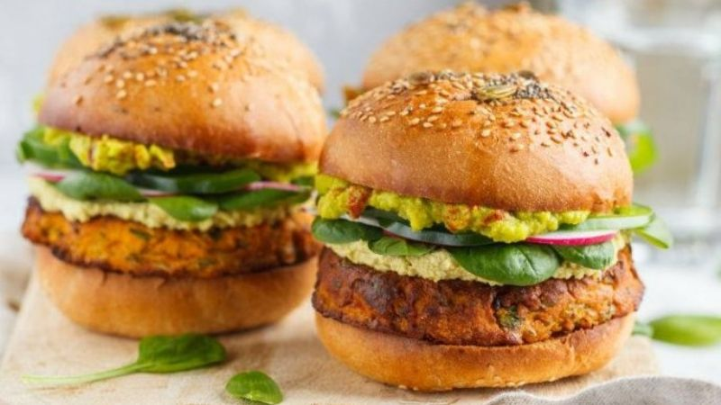 Deja la comida chatarra con ayuda de esta deliciosa hamburguesa de brócoli