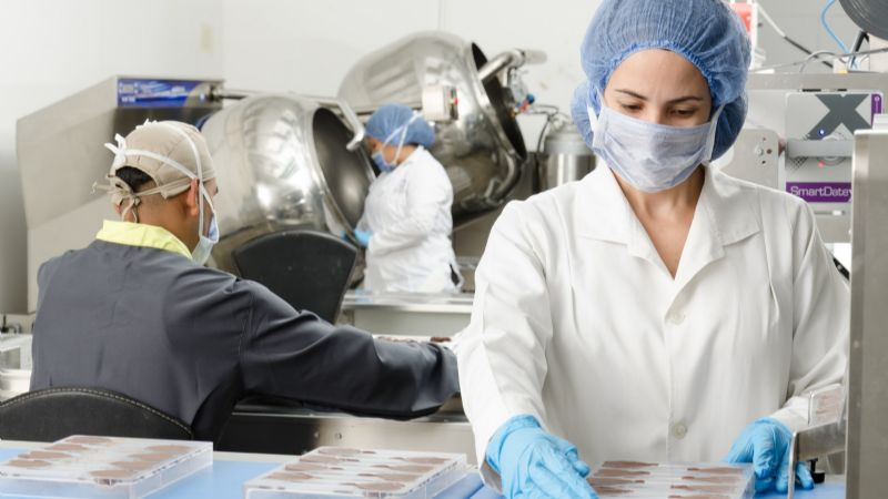 Científicos desarrollan una novedosa tecnología que podría controlar al coronavirus