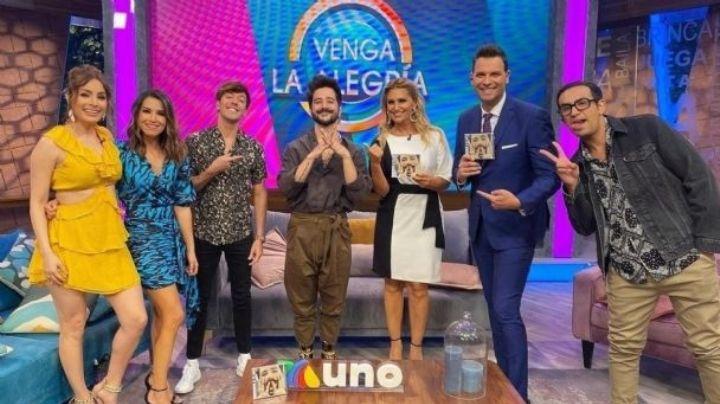 ¡'Capi' Pérez la rompe en TV Azteca! Camilo pone a bailar 'Ropa Cara' al conductor de 'VLA'
