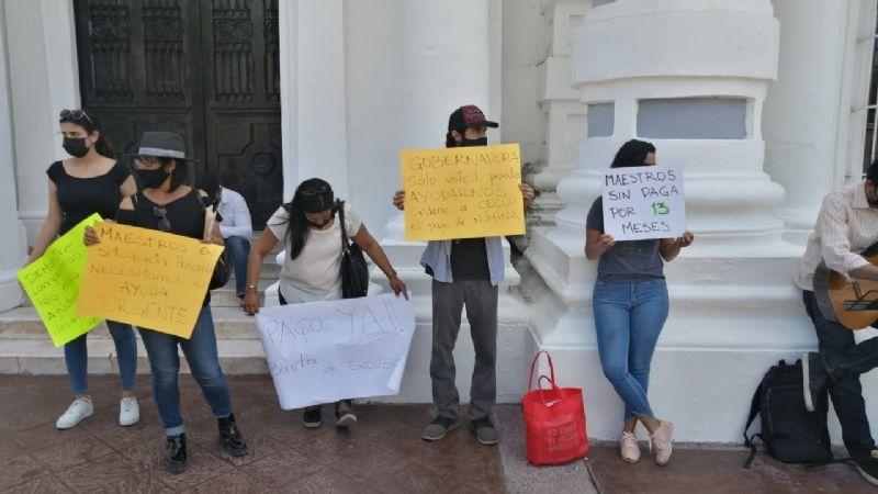 Sonora: Músicos protestan frente al Palacio de Gobierno tras 14 meses sin su pago de nómina