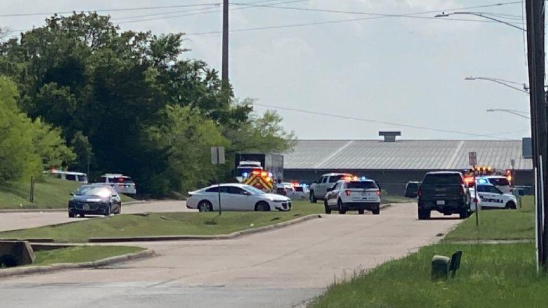 Terror en Texas: Tiroteo en parque industrial deja al menos 6 heridos; varios están graves