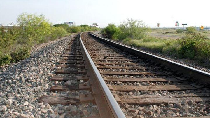 ¡De terror! Borracho se duerme en vías y tren le mutila la pierna; filtran las brutales FOTOS