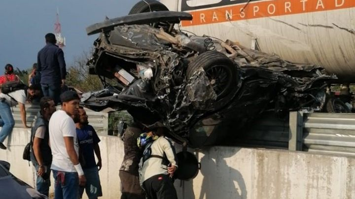 FUERTES IMÁGENES: Pipa de gas se queda sin frenos y provoca accidente entre 12 vehículos