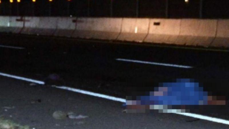 Hombre muere arrollado en carretera Hermosillo-Guaymas; se arrojó de camión