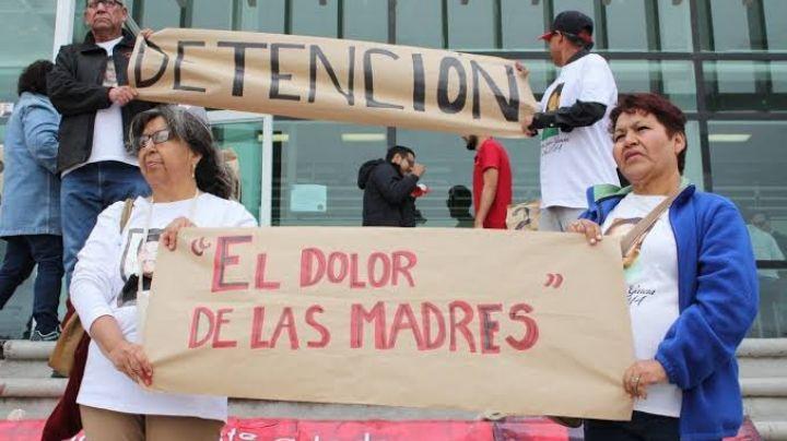 10 de mayo: A la par de festival de AMLO, madres se manifiestan por sus hijos desaparecidos