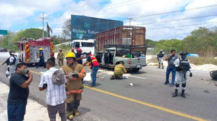 Camioneta de obreros sufre un choque; se reportan varios lesionados y un muerto