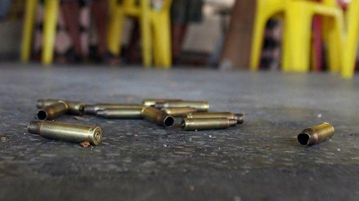 FUERTES IMÁGENES: ¡A sangre fría! Sicarios irrumpen en restaurante y masacran a 5 hombres