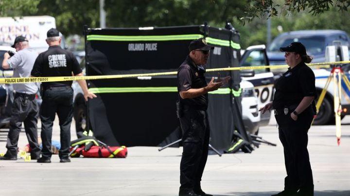 ¡Terrible asesinato! Acribillan a hombre en oficinas de inmigración de Florida