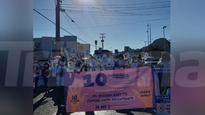 """Guaymas: Guerreras buscadoras de Sonora marchan """"sin nada que festejar"""" en el Día de las Madres"""