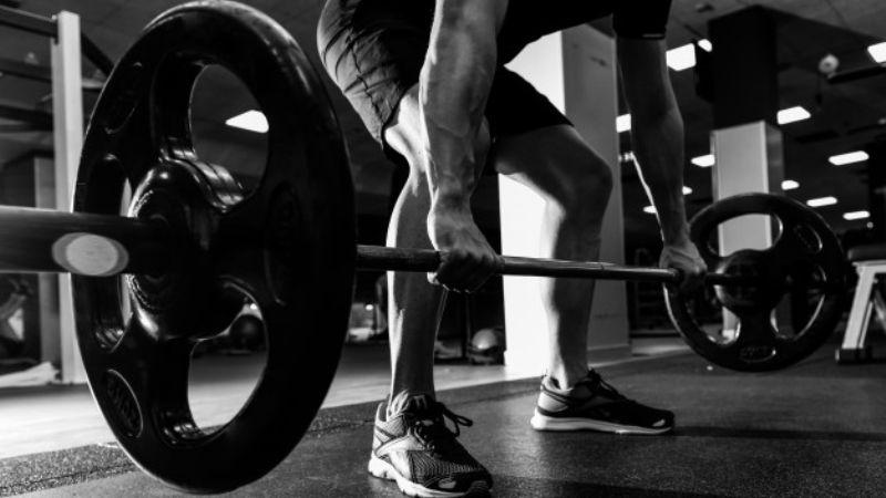 Excelente: Hacer ejercicios con peso te ayudaría a cuidar de tus huesos