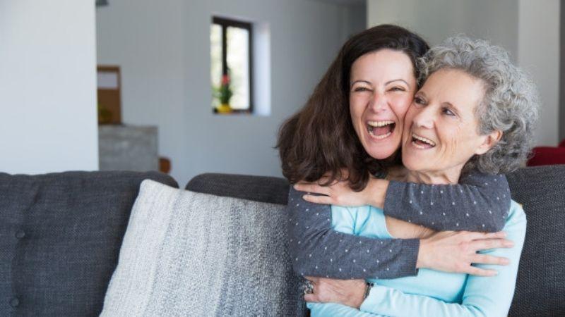 10 de mayo 2021: Así es cómo puedes cuidar la salud de tu mamá durante todo el año