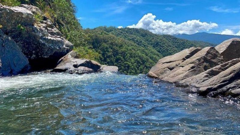De pesadilla: Mujer resbala de cascada y muere frente a sus hijos en pleno Día de las Madres