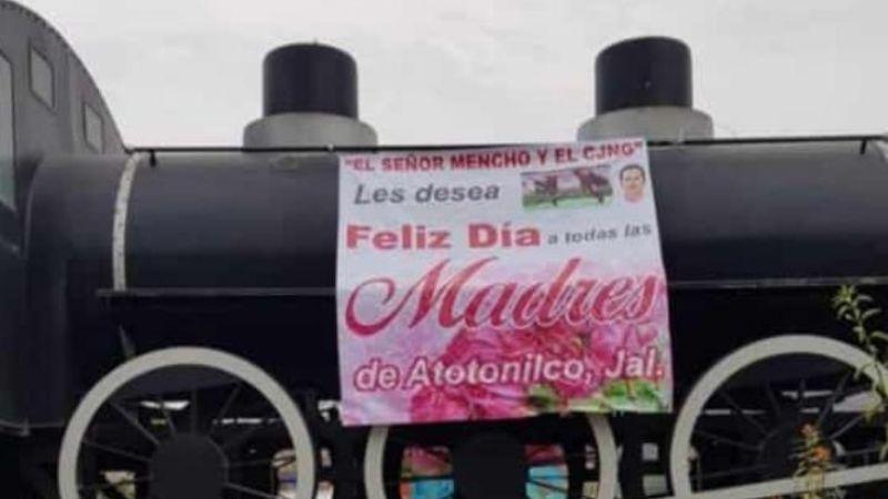 """(VIDEO) """"¡Gracias, señor Mencho!"""": Así gozan regalos del CJNG por el Día de las Madres"""
