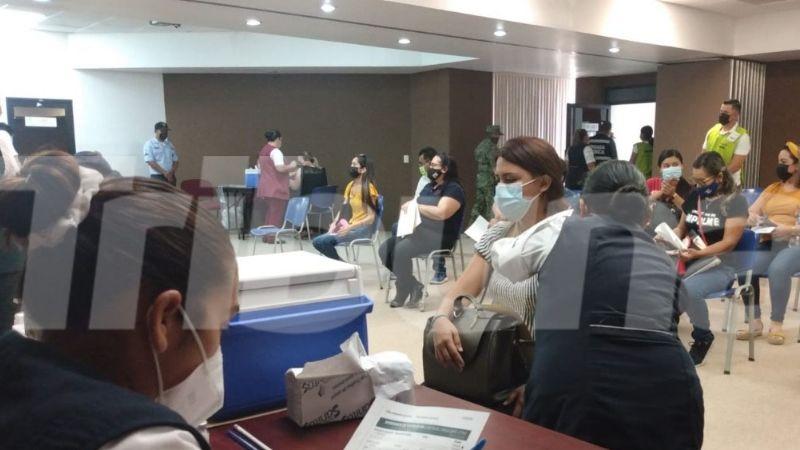 Inicia la vacunación contra Covid-19 al personal docente en Guaymas