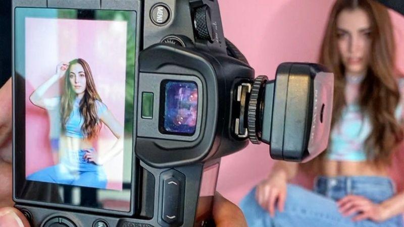 ¡En busca del mejor ángulo! CDMX estrena 'selfie studio'; así funciona este espacio