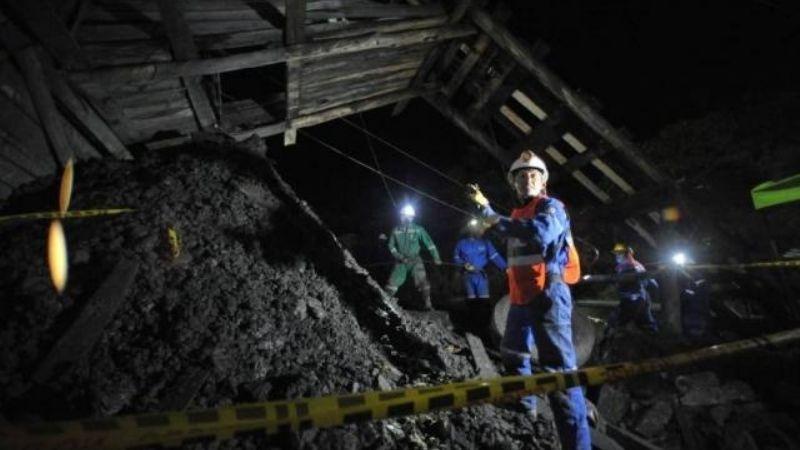 Mueren dos ingenieros tras derrumbe de una mina en SLP; su auto quedó enterrado a 360 metros