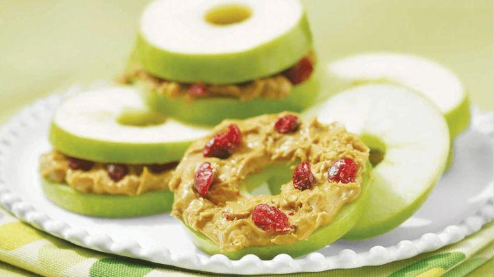 Comienza a comer saludable y rico con estas donas de manzana: Una receta de Chloe Ting