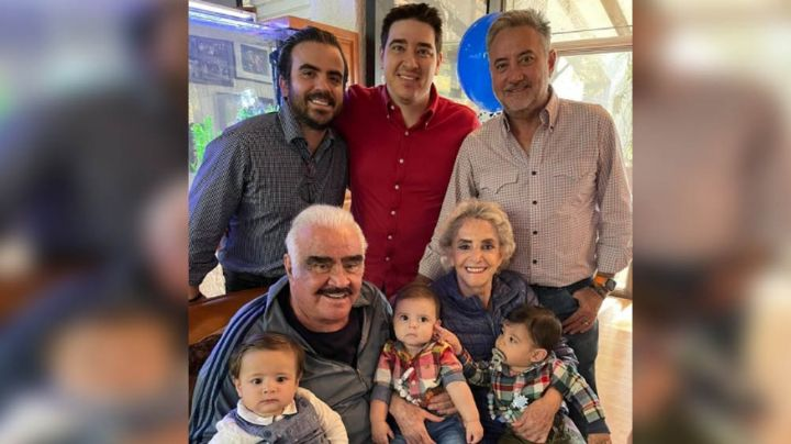 Fiesta en la dinastía: Vicente Fernández y Doña Cuquita celebran bautizo junto a Julión Álvarez