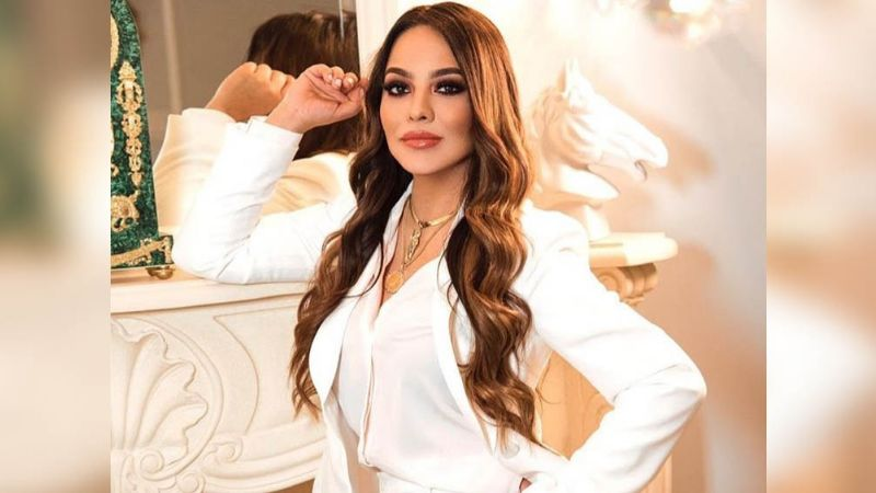 VIDEOS: ¡Tremendo escándalo! Ex de Lupillo Rivera es detenida junto a famoso cantante