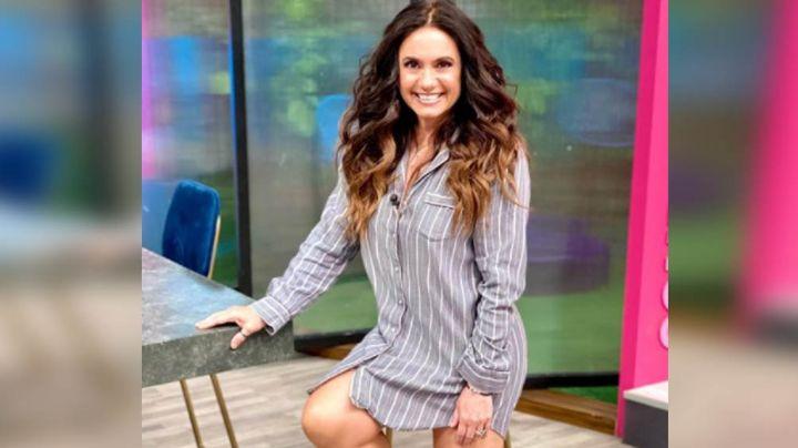 Penélope Menchaca pone de cabeza los foros de TV Azteca al modelar colorido vestido