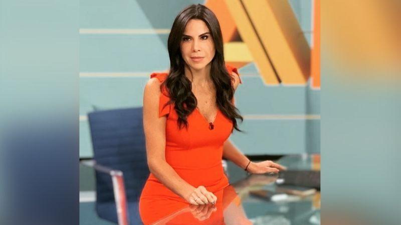 ¡Señora! Paola Rojas deja sin aliento a Instagram al lucir pierna con coqueto vestido en Televisa