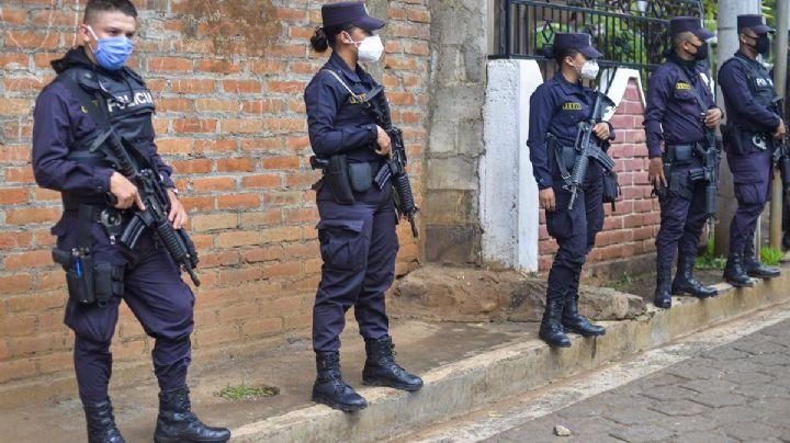 ¡Macabro hallazgo! Encuentran 10 cuerpos dentro de la casa de un expolicía en El Salvador