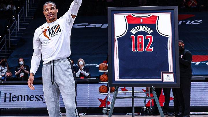 Russell Westbrook sigue 'on-fire' y lleva a los Wizards al Play-in de la NBA