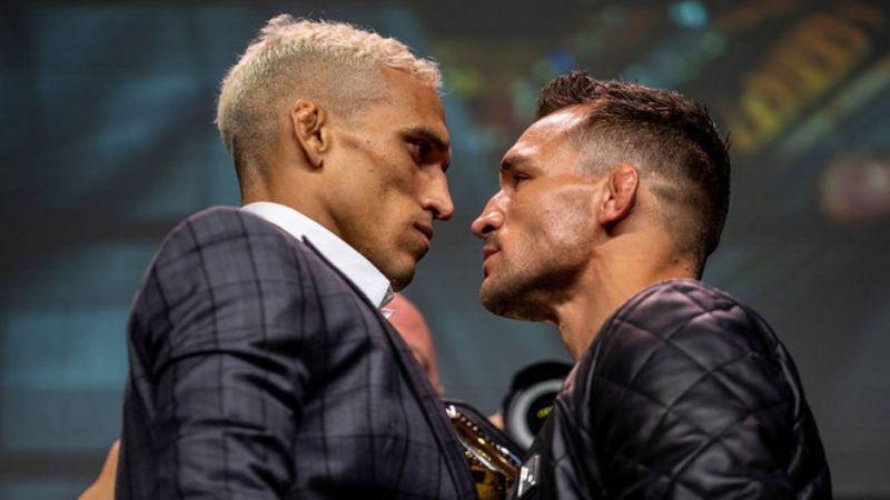 Charles Oliveira y Michael Chandler listos para pelear por el fajín de Khabib Nurmagomedov