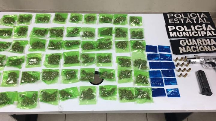 Arrestan a sujeto armado al norte de Sonora; le incautan 54 dosis marihuana y 12 de cocaína