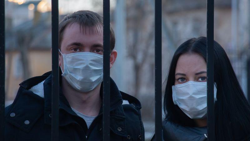 ¡Macabro! Este país no controla los casos de Covid-19 pese a que ya vacunó al 60% de su población