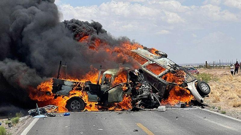 FUERTES IMÁGENES: Brutal accidente carretero deja 4 muertos; solo quedaron esqueletos calcinados