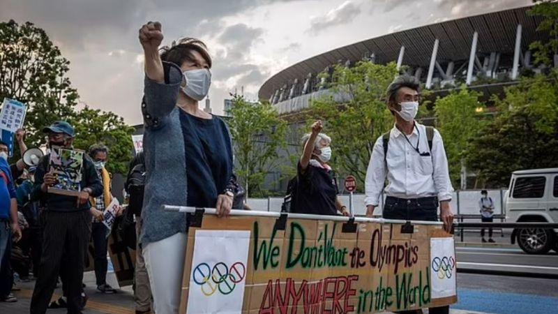 Terror y enojo en Japón: Ciudadanos exigen la cancelación de los Juegos Olímpicos
