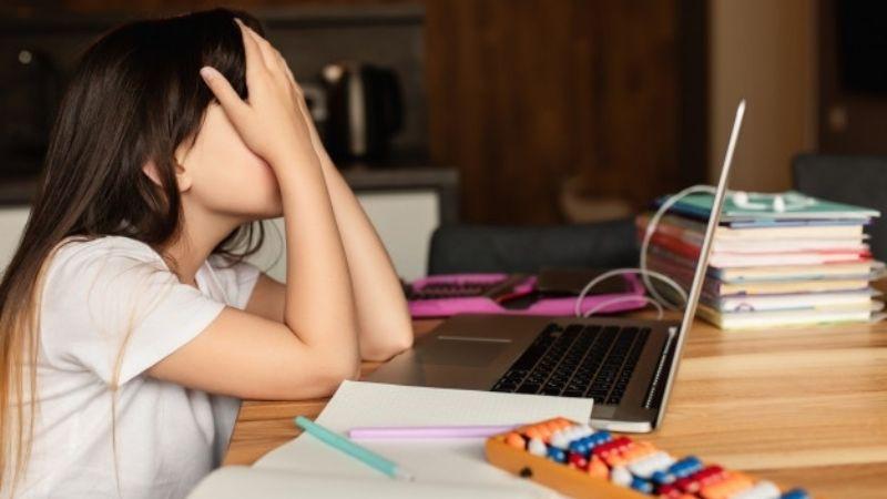 Atención mamás: Estas son algunos de los síntomas de la migraña infantil