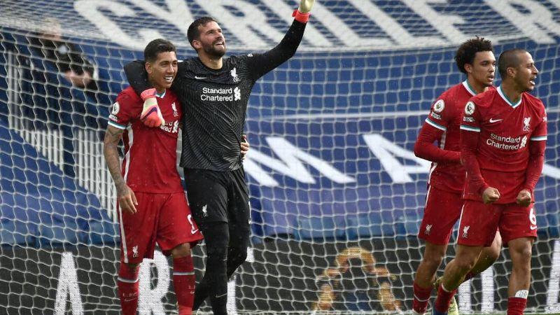 Alisson Becker anota de último minuto el gol del triunfo para el Liverpool